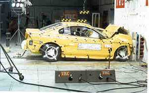 NCAP 1998 Ford Mustang front crash test photo