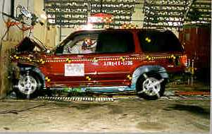 NCAP 1998 Ford Explorer front crash test photo