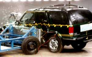 NCAP 2000 Chevrolet Blazer side crash test photo