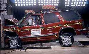 NCAP 2000 Chevrolet Blazer front crash test photo