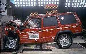 NCAP 2001 Jeep Cherokee front crash test photo