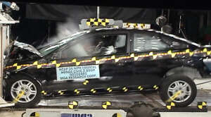 NCAP 2001 Honda Civic front crash test photo