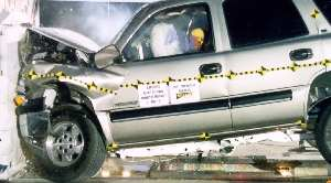 NCAP 2002 Chevrolet Tahoe front crash test photo