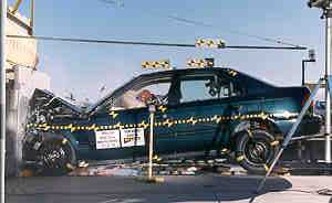 NCAP 2002 Honda Civic front crash test photo