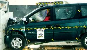 NCAP 2002 Dodge Grand Caravan front crash test photo