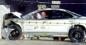 NCAP 2002 Pontiac Grand Prix front crash test photo