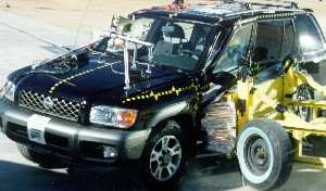 NCAP 2002 Nissan Pathfinder side crash test photo