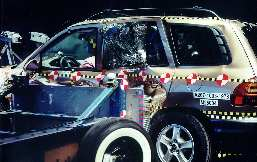 NCAP 2002 Hyundai Santa Fe side crash test photo