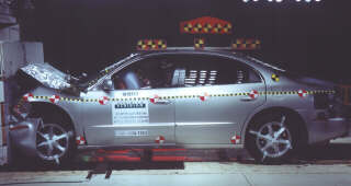 NCAP 2002 Oldsmobile Aurora front crash test photo