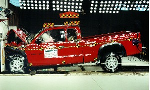 NCAP 2002 Dodge Dakota front crash test photo
