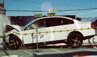 NCAP 2002 Volkswagen Passat front crash test photo