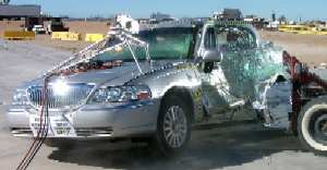 NCAP 2003 Lincoln Town Car side crash test photo