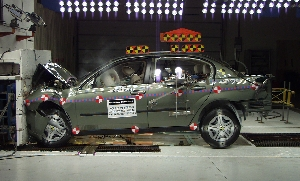 NCAP 2004 Chevrolet Malibu front crash test photo
