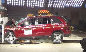 NCAP 2004 Chrysler Pacifica front crash test photo