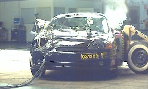 2004 Hyundai Tiburon 2-DR.w/SAB after side crash test