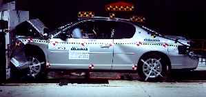 NCAP 2004 Chevrolet Monte Carlo front crash test photo