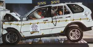 NCAP 2005 BMW X5 front crash test photo