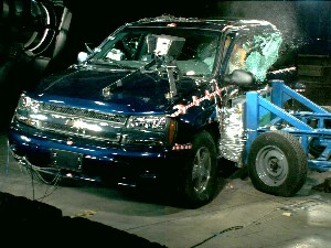 NCAP 2005 Chevrolet Trailblazer side crash test photo
