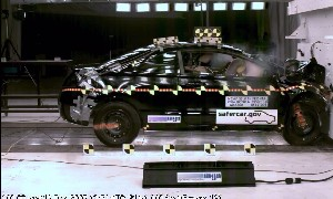 NCAP 2006 Honda Civic front crash test photo