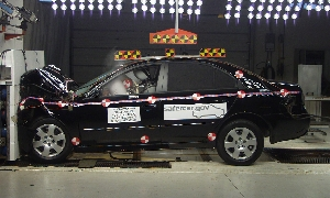 NCAP 2006 Hyundai Sonata front crash test photo