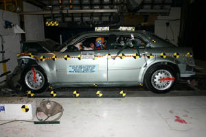 NCAP 2007 Chrysler 300 front crash test photo