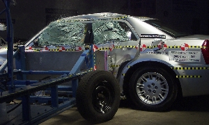NCAP 2007 Chrysler 300 side crash test photo