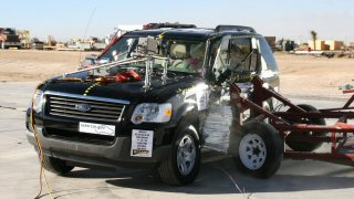 NCAP 2007 Ford Explorer side crash test photo