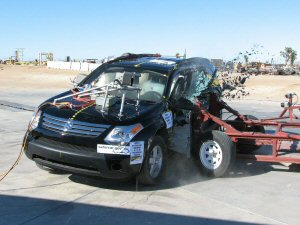 NCAP 2007 Suzuki XL7 side crash test photo