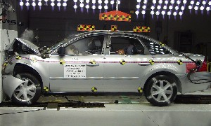 NCAP 2008 Ford Taurus front crash test photo