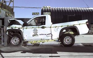 NCAP 2008 Chevrolet Colorado front crash test photo
