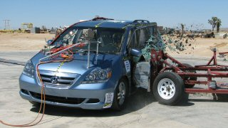 NCAP 2008 Honda Odyssey side crash test photo