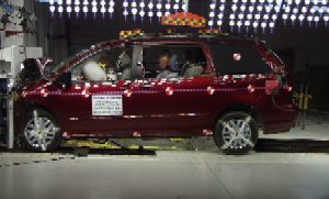 NCAP 2009 Toyota Sienna front crash test photo