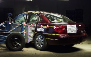 NCAP 2009 Buick LaCrosse side crash test photo