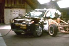 NCAP 2009 Mitsubishi Outlander side crash test photo