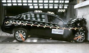 NCAP 2009 Hyundai Genesis front crash test photo
