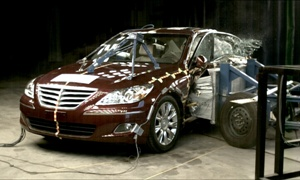 NCAP 2009 Hyundai Genesis side crash test photo
