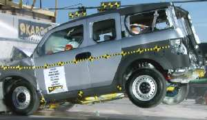 NCAP 2010 Honda Element front crash test photo