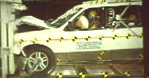 NCAP 2010 Ford Expedition front crash test photo