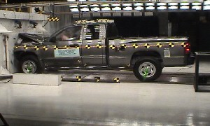 NCAP 2010 Dodge Dakota front crash test photo