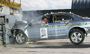NCAP 2010 Acura RL front crash test photo