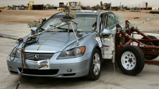 NCAP 2010 Acura RL side crash test photo