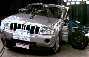 NCAP 2010 Jeep Grand Cherokee side crash test photo