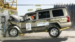 NCAP 2010 Jeep Commander front crash test photo