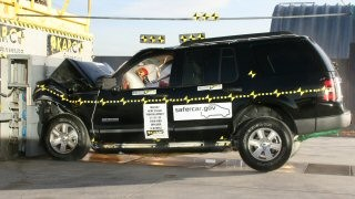 NCAP 2010 Ford Explorer front crash test photo