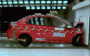 NCAP 2010 Chevrolet Aveo front crash test photo