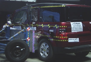 NCAP 2010 Honda Element side crash test photo