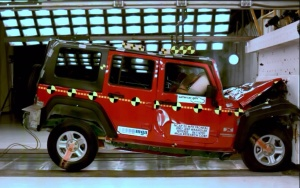 NCAP 2010 Jeep Wrangler front crash test photo