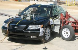 NCAP 2010 Hyundai Azera side crash test photo