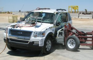 NCAP 2010 Ford Explorer side crash test photo