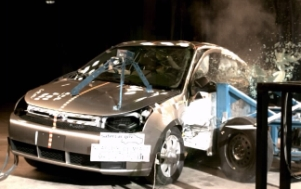 NCAP 2010 Ford Focus side crash test photo